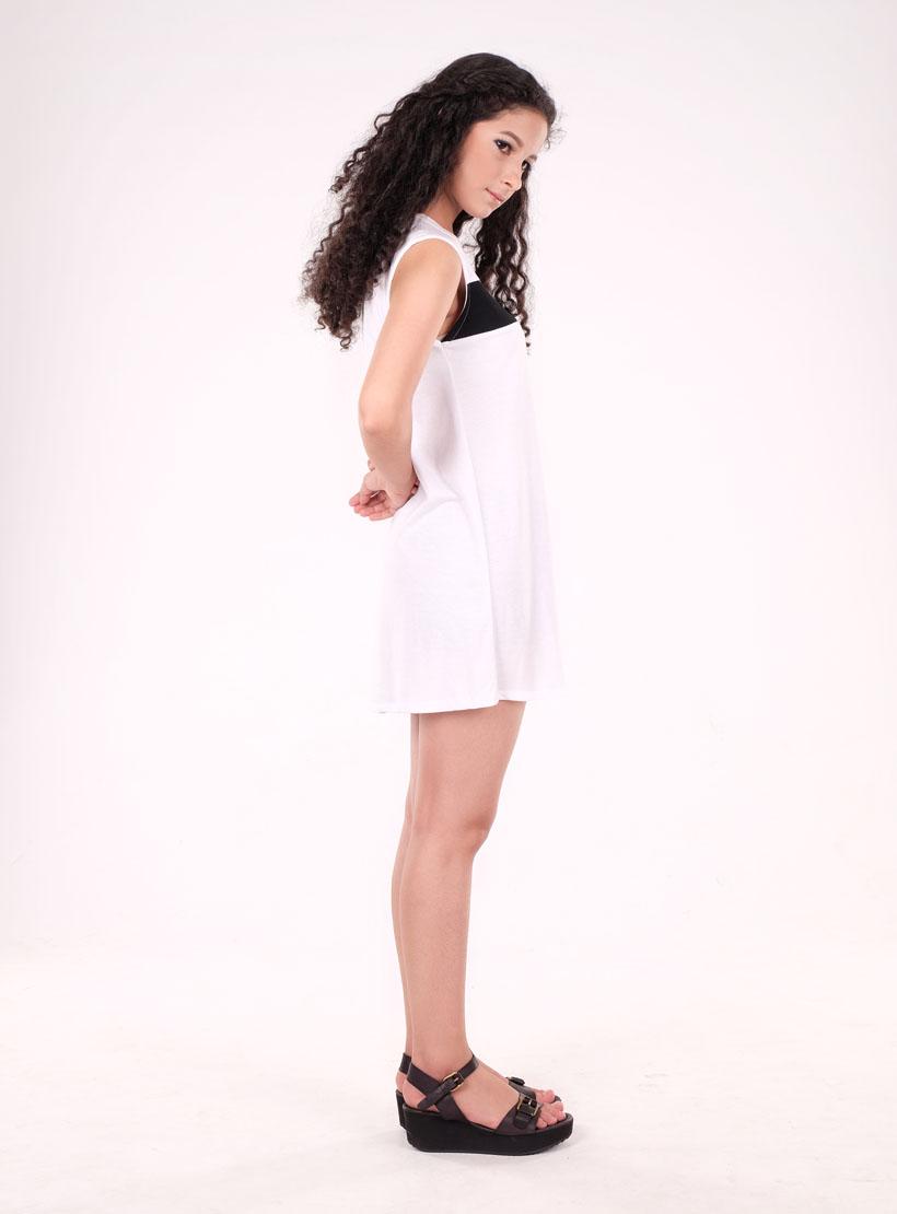 Tara white pics